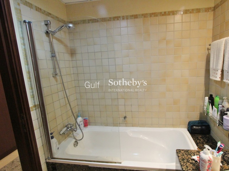 Unfurnished 3 Bed With Full Sea View-Jbr