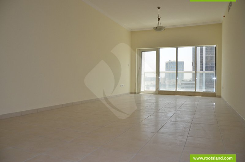 Beautiful Apartment  with Business Bay Lake View