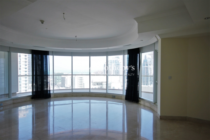 Spacious Apartment In Trident Waterfront