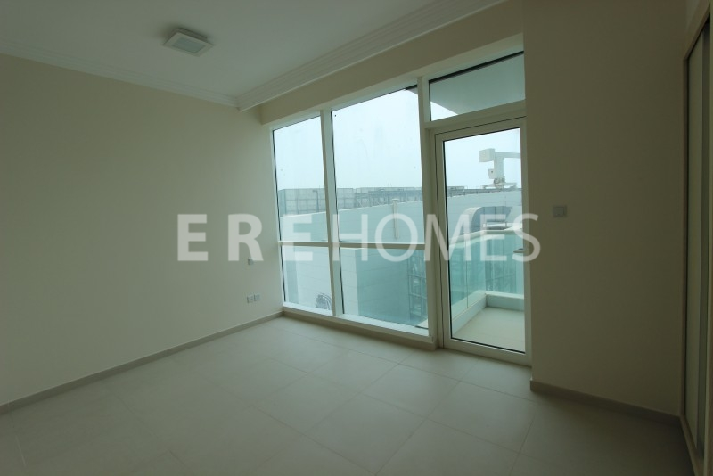 Shell And Core Office For Rent In Marina Plaza, Dubai Marina Er R 7094