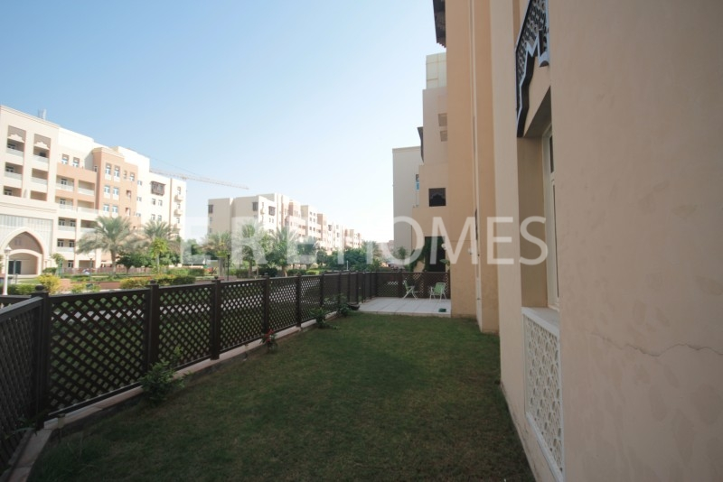 Large Two Bedroom Terrace Garden Apartment With Closed Kitchen