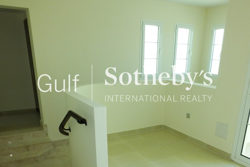 Large 1bed, Fantastic Marina View, 140,000 Aed