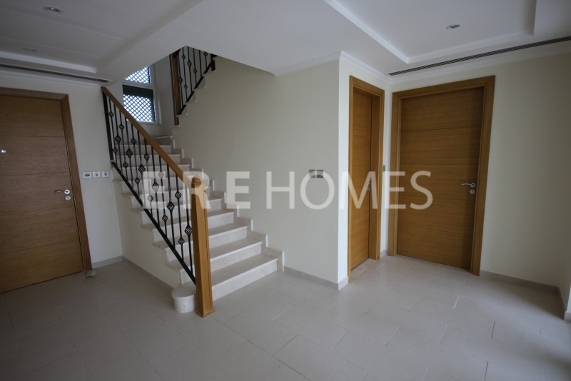New In Will Go Fast 3 Bed Small Regional Jumeirah Park . Er-R-8643