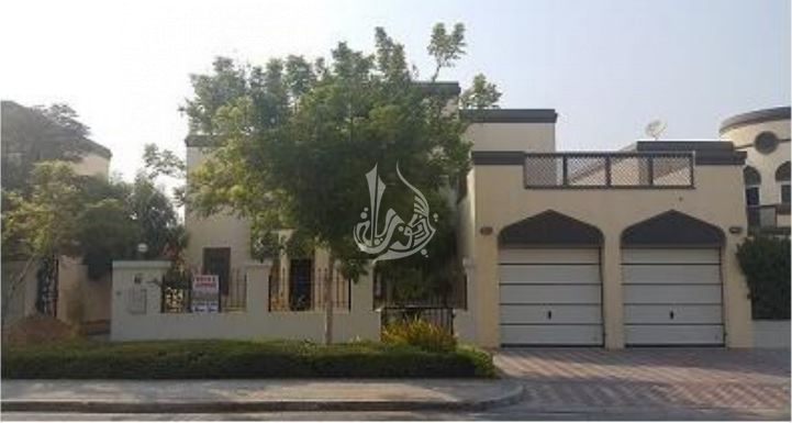 Well Maintained 5 Br Regional Villa In Jumeirah Park