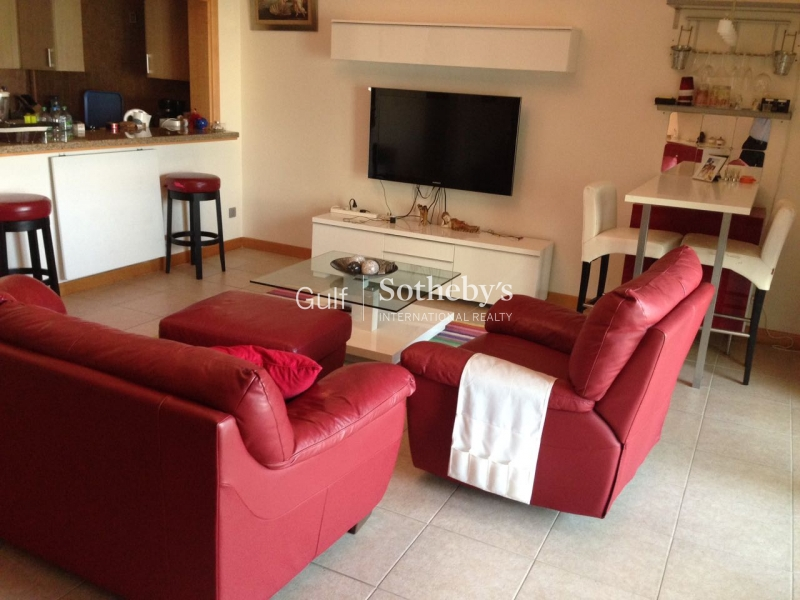 Fully Furnished High Floor 2 Br E Type