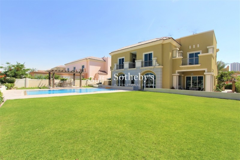 Fabulous 5 Bed With Large Pool Golf Course