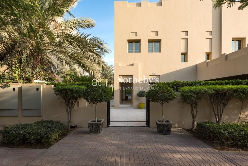 Vacant 4th October, Beautiful High Floor C Type Shoreline Apartments Palm Jumeirah Er R 10295