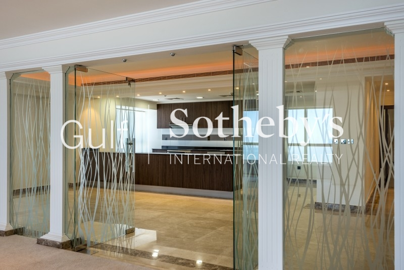 Superb 2 Bed + M E Type On The Shoreline, Palm Jumeirah Er R 13536
