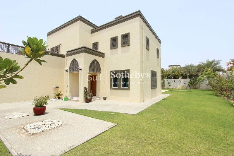 Spacious Corner 3 Bed Regional Villa