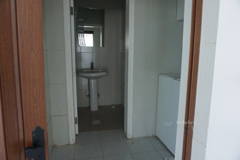 Upgraded 3br+study Room,private Garden In Al Jaz 4,the Greens