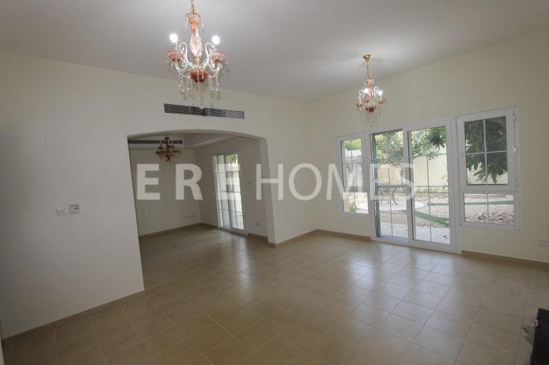 Fully Furnished 2 Bedroom Plus Maids Golden Mile Palm Jumeriah Park View Vacant And Ready To Move!!! Er R 11861