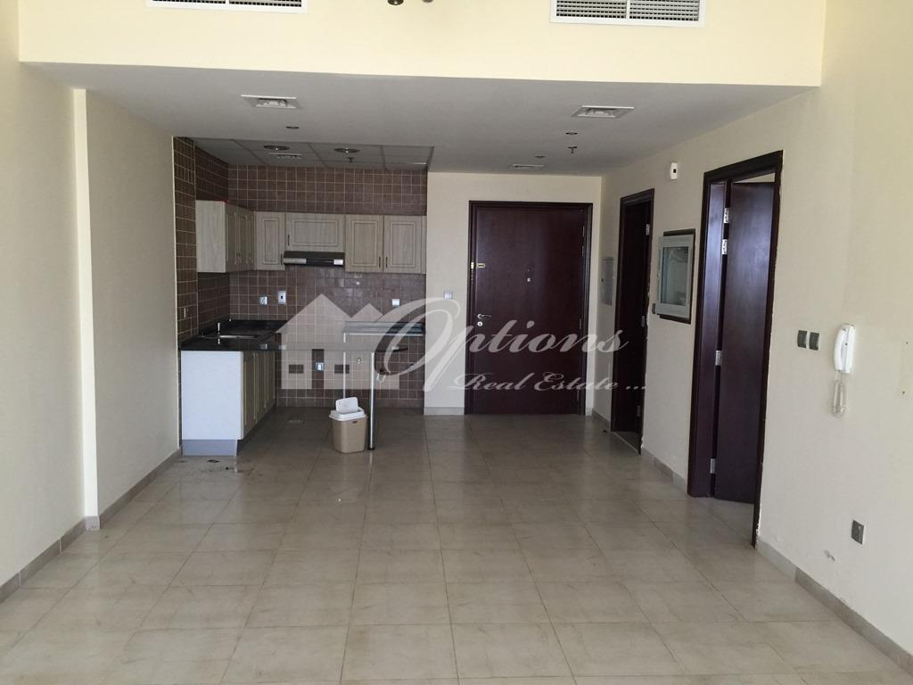 Unfurnished One Br Apartment In Hamza Tower
