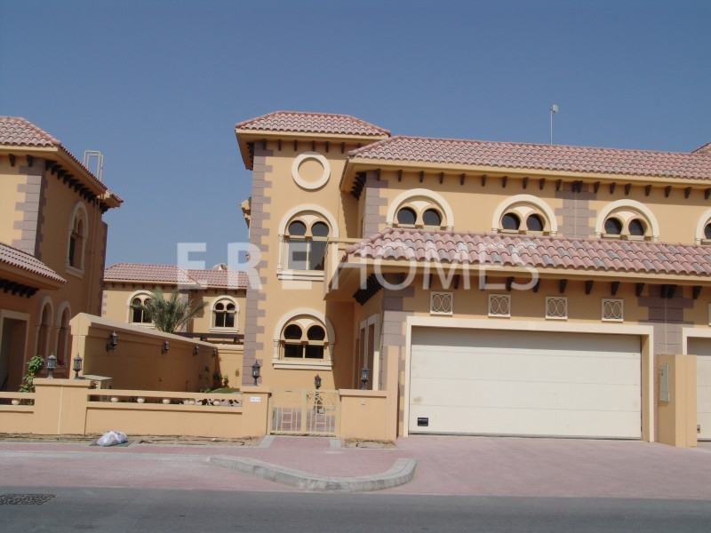 A Four Bedroom Andalucian End Of Terrance Townhouse In Falcon City