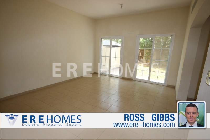 Al Reem 3, 2M Villa, 3 Bedrooms plus Study and Maids room. Available now 215K ER-R-5300