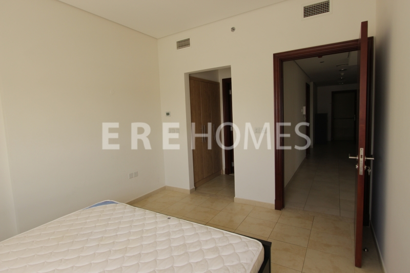 Dubai Wharf 1 Bedroom Apartment With Canal And Creek Views Er S 6827