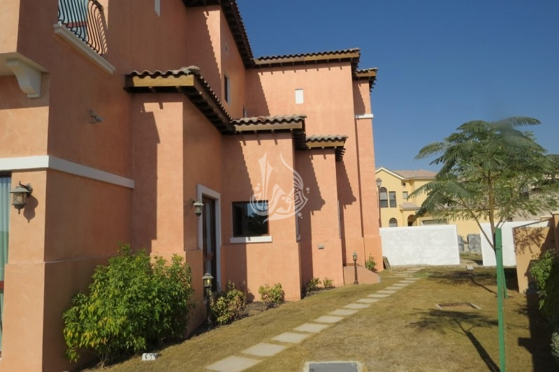 Mediteranean 5 BR Villa for Sale in Orange Lake JGE