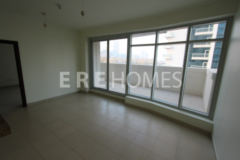Rare 1 Bed Unit, 220 Sqft Terrace, Burj Views, Downtown-1150,000 Err6118
