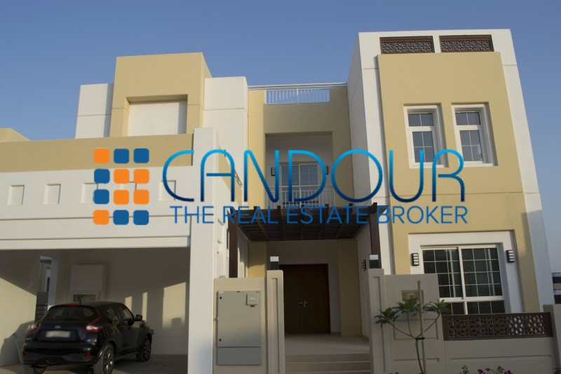 Spacious Brand New Villa - Landscaping Included
