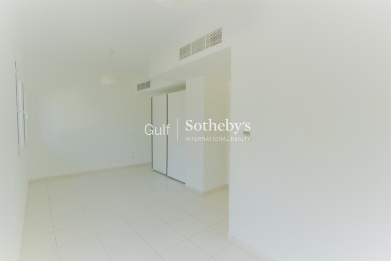 3 Br Plus M Vacant On Sea Side Shoreline, Palm Jumeirah Er R 13501