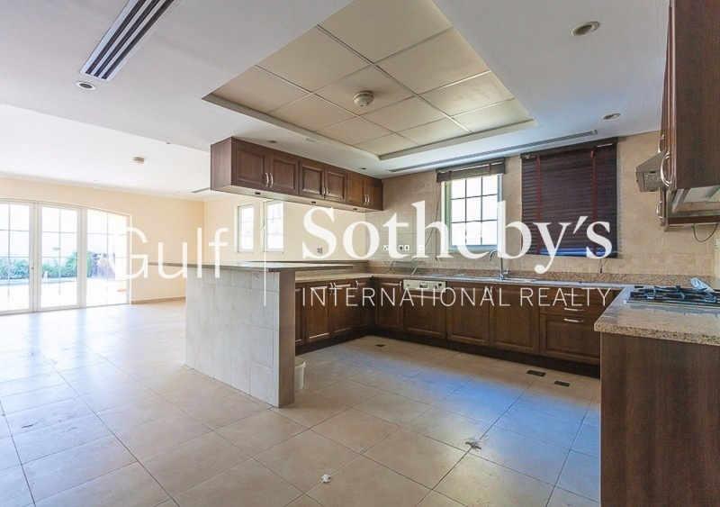 Fitted Office With Pantry-Barsha Heights