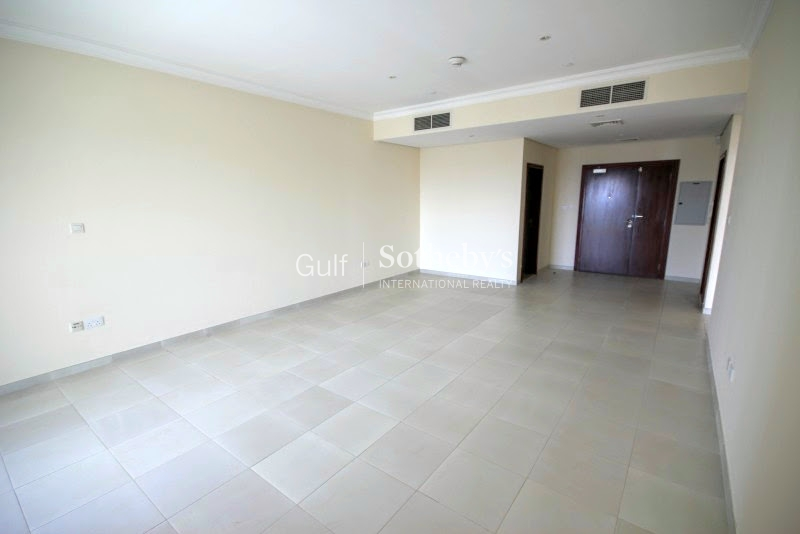 Upgraded 4 Bedroom Villa-Close To Pool