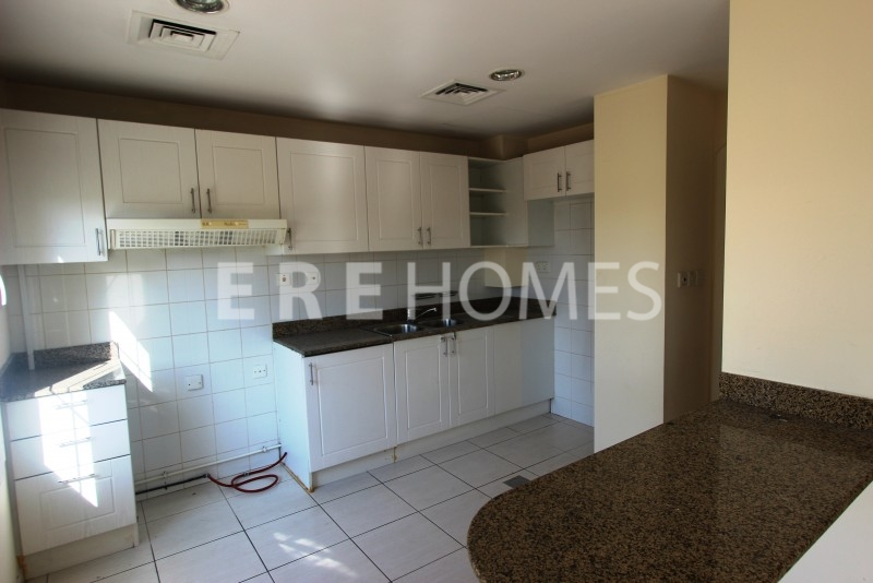 Springs 2 Bedroom Villa To Rent With Study Er R 12338