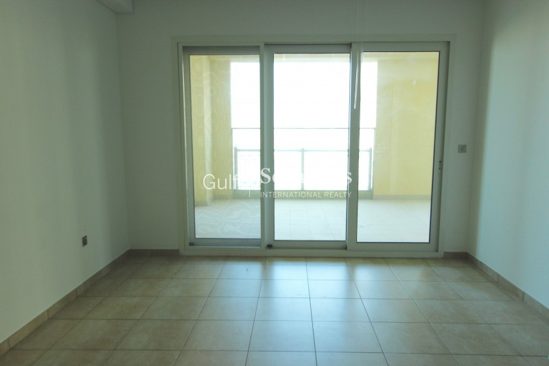 A Three Bedroom Townhouse In Seasons Community Close To The Entrance Of Jvc Er S 6567