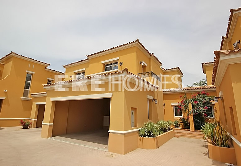 Palmera C Type, 2 Bed, Dirrectly Opposit The Pool And Park Available At 2.5 Million Er-S-6278