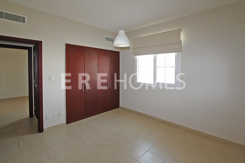 Spectacular Full Marina Views, Spacious, Maid, Marina Quay East, Er R 15207