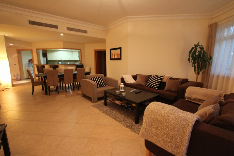 Pool Level Double Balcony 2 Bed Apartment
