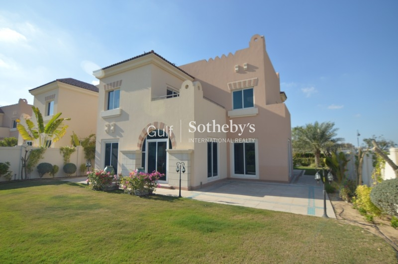 Stunning 5 Bedroom With Golf Course View