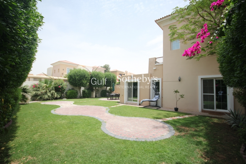 A Stunning High End Furnished C1 On The Golf Course In Calida Er S 7842