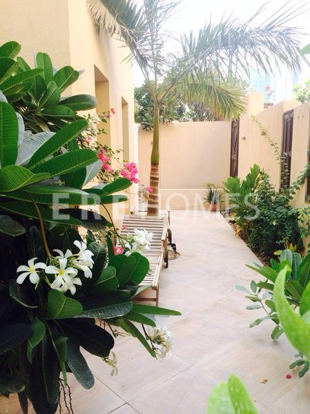 Rarely Available 1 Bed With Garden, Zanzebeel, Oldtown-135,000 Aed Er R 12894