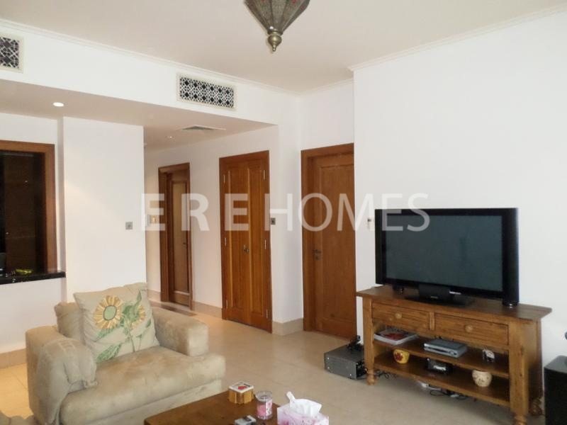 Beautiful One Bedroom Apartment, Zaafaran, Old Town Er R 10709