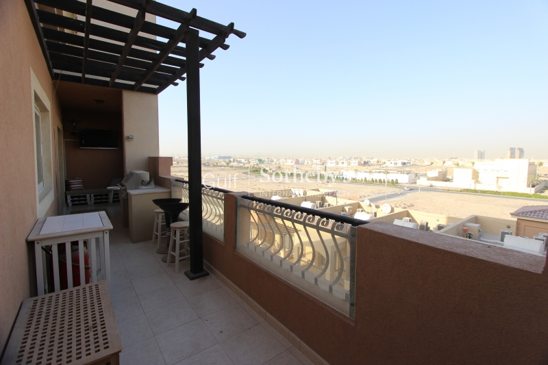Two Double Bedroom Top Floor Apartment