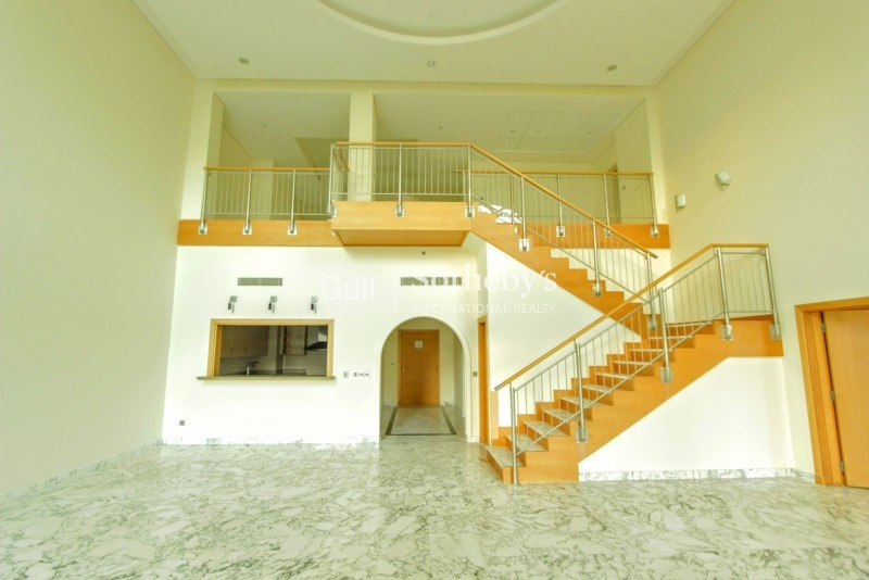 Vacant Huge Penthouse Available For Rent