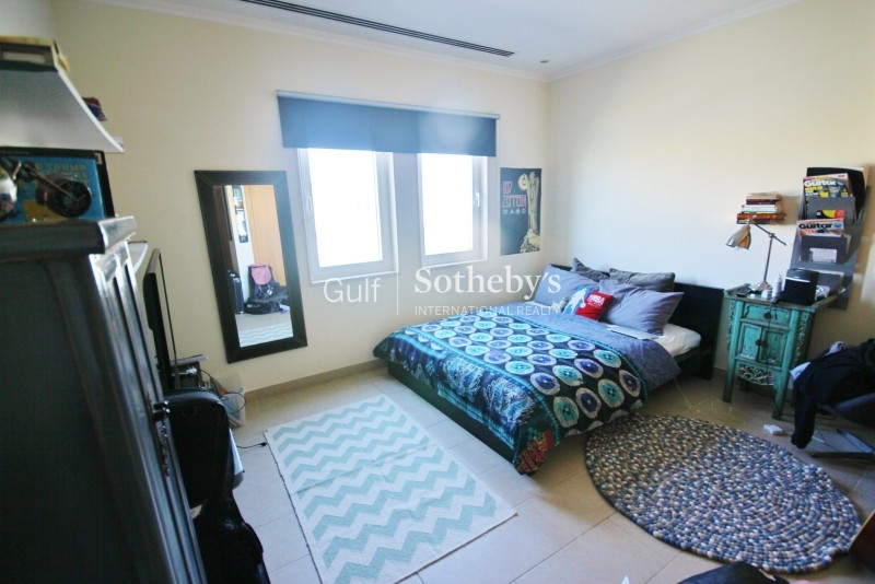 Fully Fitted With Toilet And Pantry Built In Dome, Jlt Er R 12343