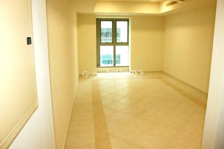 Spacious And Large 1 Bed With Sea View