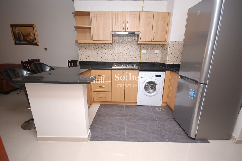 Fully Furnished 1br Apartment In Elite 8
