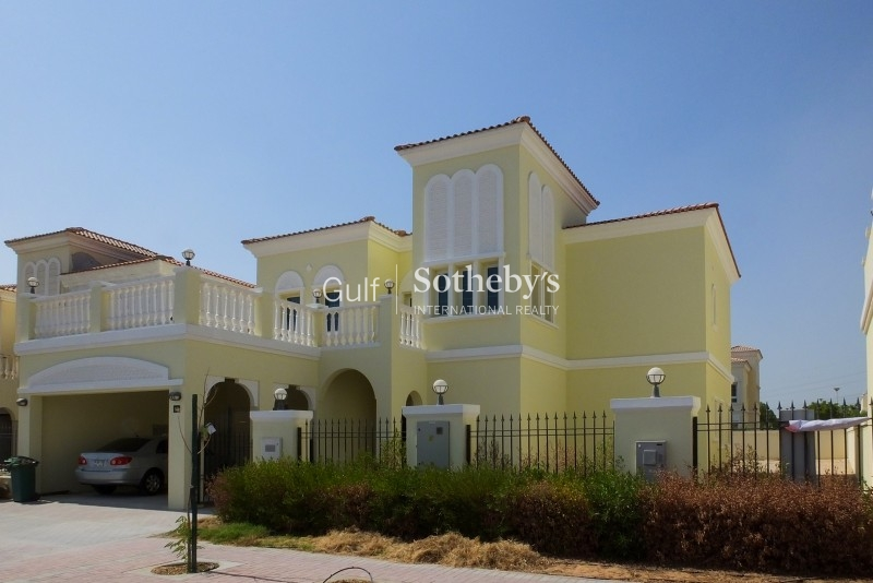 An Extended 4br Med Style Villa In Jvt
