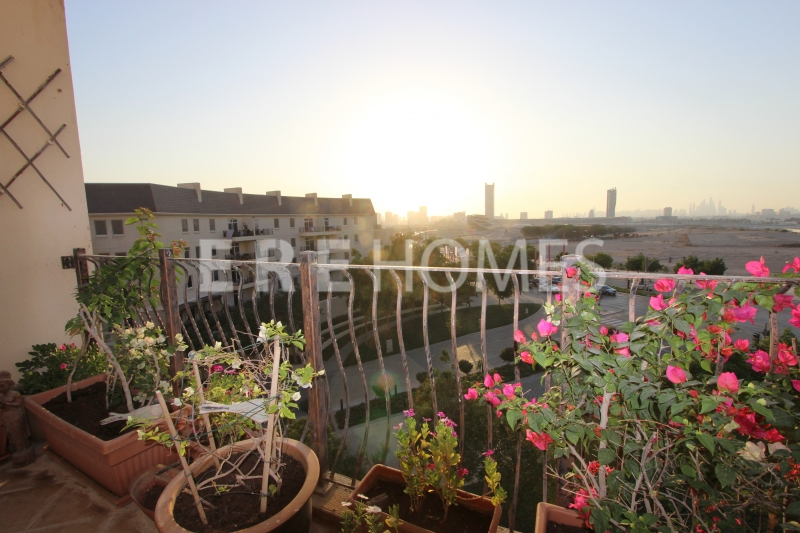 Spacious 3 Bed Apartment In Sherlock House 2, Motor City Er R 14536