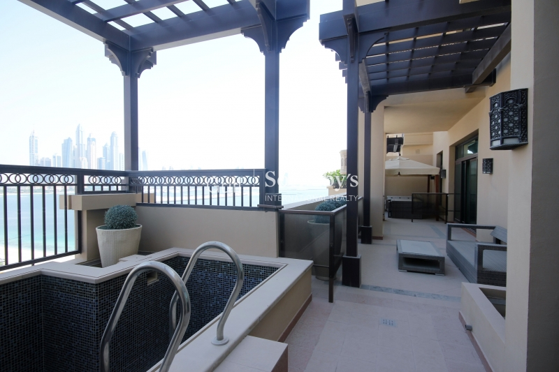4br Penthouse With Marina Skyline View