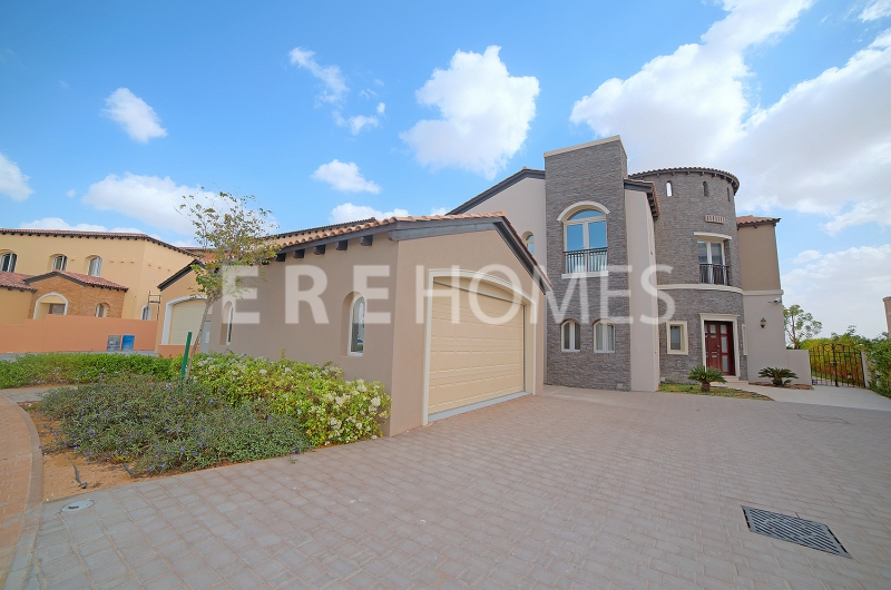 Serena Style, 5 Bed, Sienna Lakes, Jumeirah Golf Estates Er R 14387