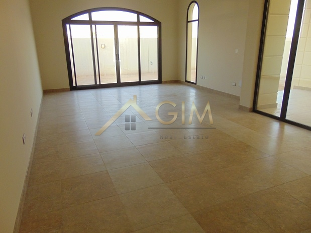4br Corner Villa With A Huge Plot In Mudon