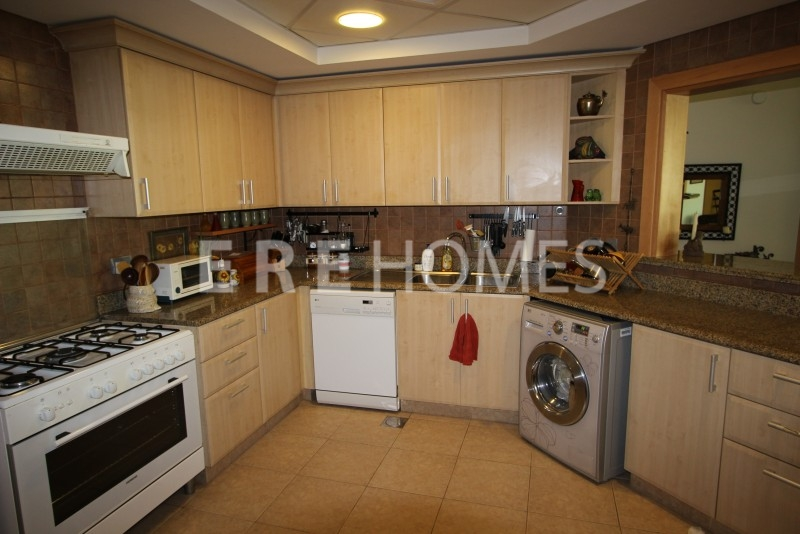 3 Bed + Maids. A Type-High Floor .vacant On Transfer-