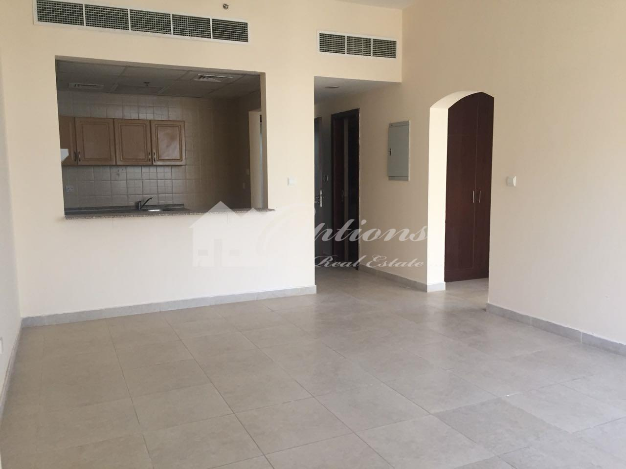 One Bedroom Apartment With Balcony In Oasis High Park