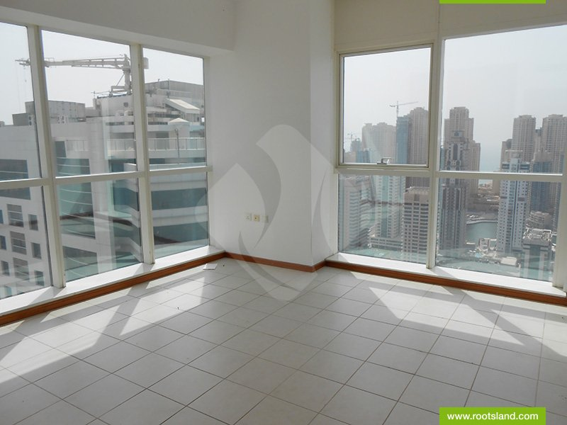 Bright, Spacious Well Maintained Apartment.