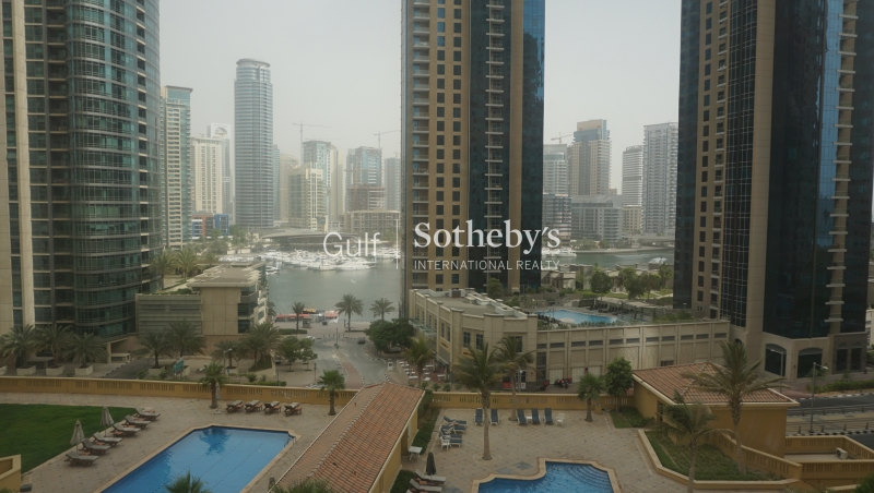 Unfurnished One Bed With Plaza View