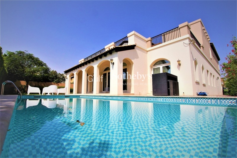 5 Bed Verona Villa With Very Private Plot