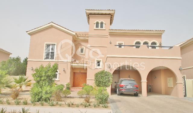 5 Br With Maid Villa For Sale In Valencia, The Villa